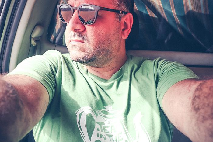 Yassine, création d'une ligne de t-shirts dédiés au Sahara algérien
